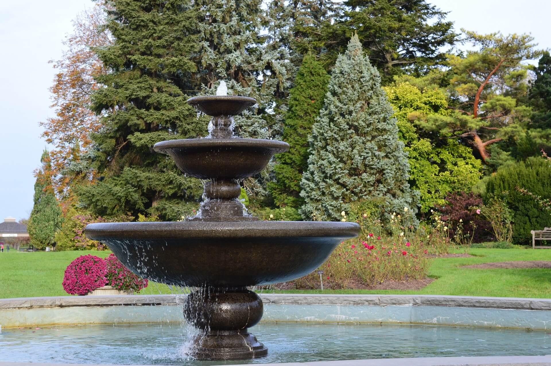 fountain-199168_1920